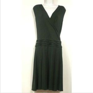 Green Sleeveless Dress Pleated Below Knee